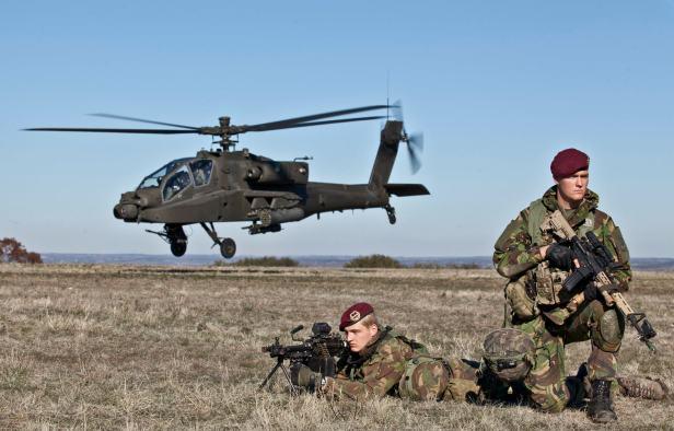 Dutch_Apache_AH-64